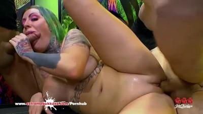 Tattooed Phoenix Madina First Huge Gangbang For Extreme Bukkake