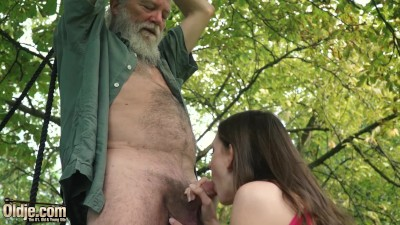 Cute Teen Gets Hardcore Fucked By Old Man In Old And Young Porn