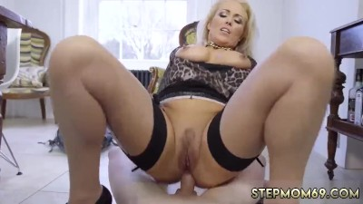 Milf Step Mom And Pal' Ally Hot Young Girl Having Her Way With A Rookie