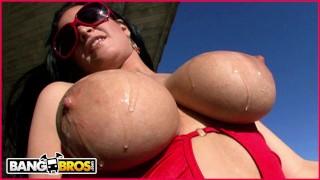 BANGBROS – Big Titty Texan Marilyn Scott Shows Off Her Goods On BTRA