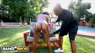 BANGBROS – Nikki Ford's Got That Big Black Onion Booty! Watch Her Fuck.