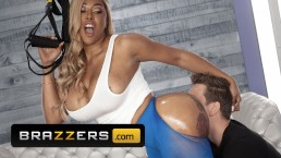Brazzers – Extra Thicc Moriah Mills Takes White Cock