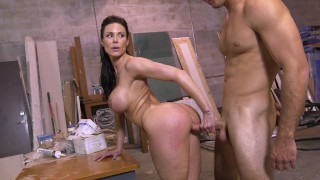 BANGBROS – Big Booty MILF Kendra Lust Taking Dick From Sean Lawless