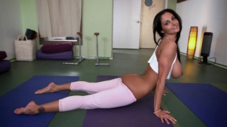 BANGBROS   Fit MILF Ava Addams Does Yoga & Gets Her Big Ass Fucked