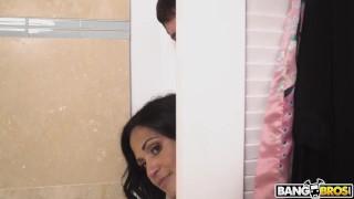BANGBROS   Stepdaughter Peep Show With Kira Perez, MILF Kailani Kai & Preston Parker
